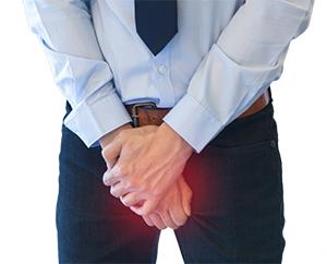 hombre con síntomas de la próstata