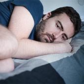 Hombre sufre impotencia psicologica