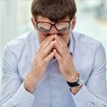 Hombre de negocios estresado